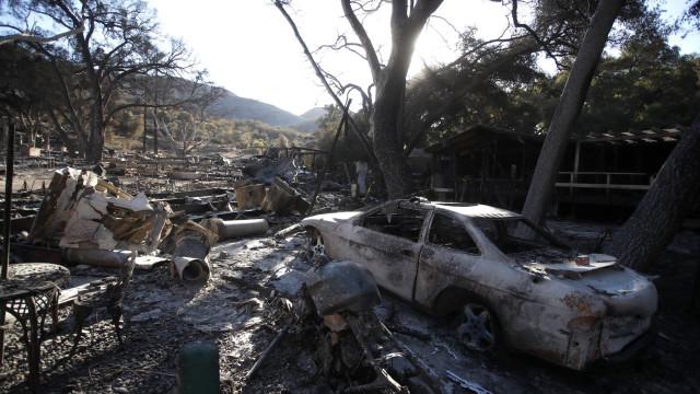 Incêndios na Califórnia deixam 66 mortos e 631 desaparecidos
