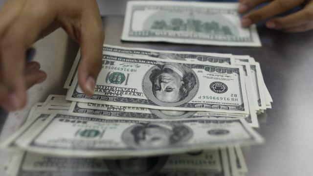 Dólar volta a subir e bate R$ 4,11 nesta terça