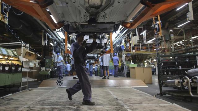 Produção industrial cai 0,8% em agosto ante julho, revela IBGE