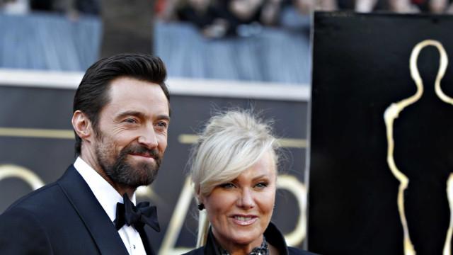 'Maior presente', diz Hugh Jackman em homenagem à esposa