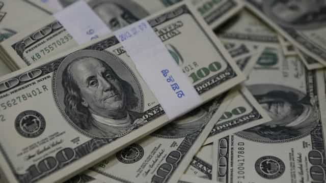 Dólar fecha em alta de 0,87%, cotado a R$ 3,9111