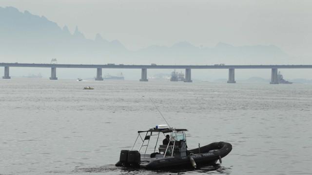 Cargueiro naufraga deixando 1 morto e 14 desaparecidos na Malásia