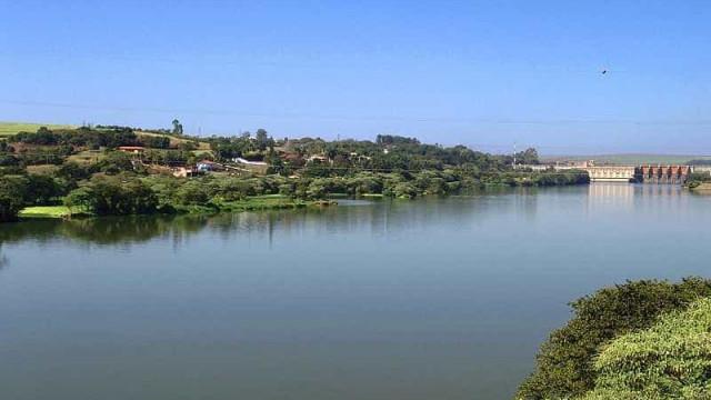 Corpo em decomposição é encontrado boiando no rio Tietê