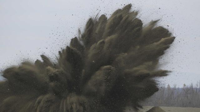 Menino de 12 anos encontra granada no lixo na Áustria