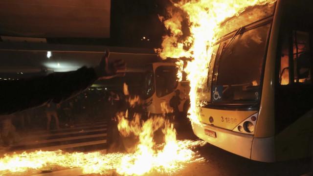 Polícia de SC deflagra operação para prender 58 suspeitos de atentados