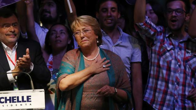 Chile vai investigar 30 mil casos de torturados pela ditadura