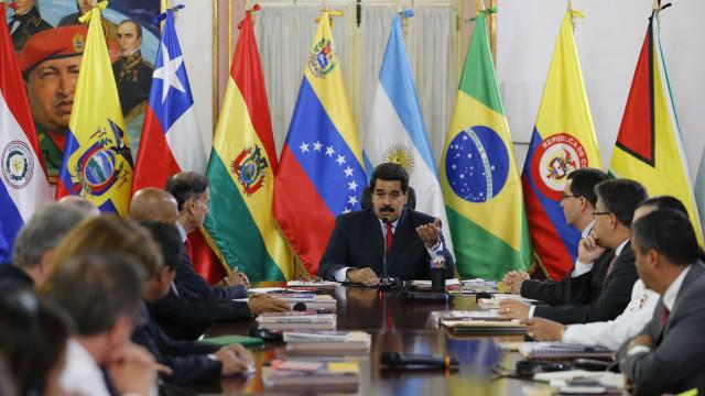 Colômbia anuncia saída da Unasul após posse de novo presidente