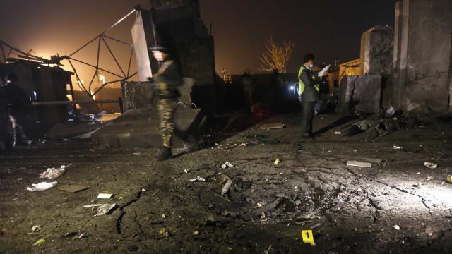 Homem-bomba se explode e deixa 7 mortos em Cabul