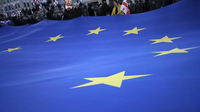 UE multa quatro empresas por ações para evitar preços mais baixos