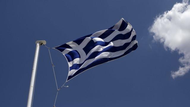 Após 8 anos, UE encerra plano de resgate da Grécia