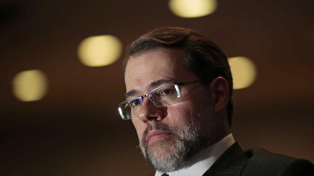 Toffoli pede providências da PF e da PGR sobre 'ofensas' à corte