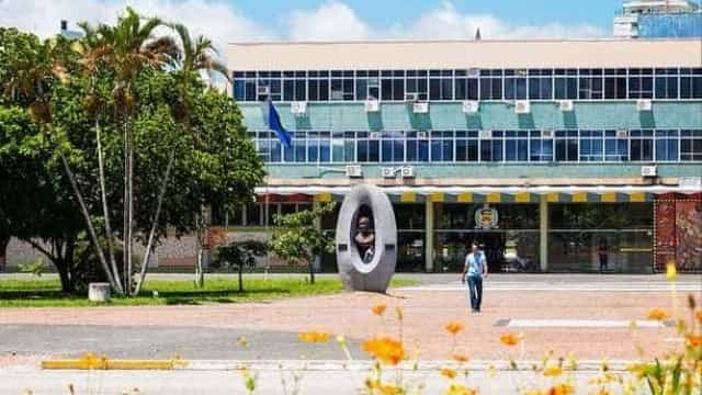 PF investiga docentes e servidores por desvios de recursos na UFSC