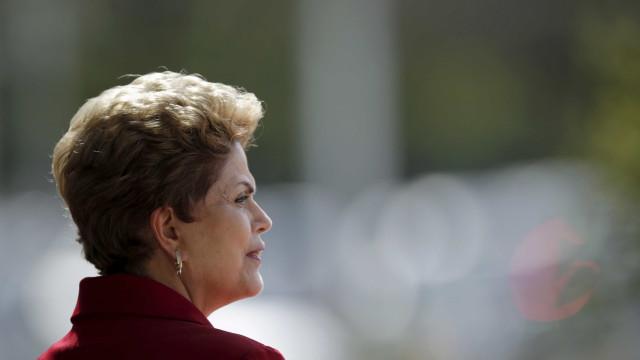 Dilma tem 30 dias para deixar o Alvorada, diz Cardozo