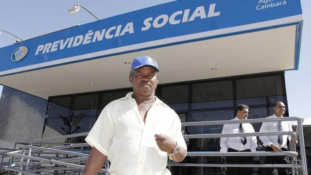 INSS: Aposentados e pensionistas têm até este mês para comprovar vida