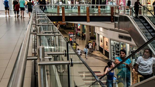 Shoppings perdem clientes com Copa e greve