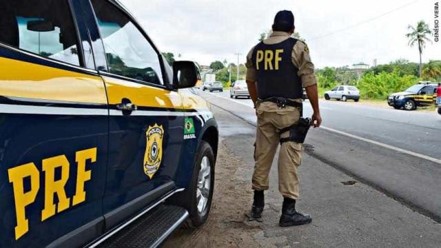 Policiais apreendem mais de 100 quilos de pasta de cocaína em rodovia