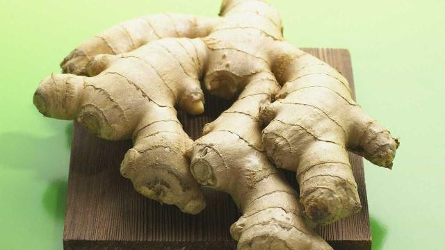 4 alimentos saudáveis para ajudar as veias e artérias
