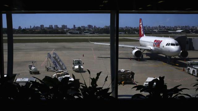 Greve afeta abastecimento de aviões; aeroportos têm combustível até 6ª