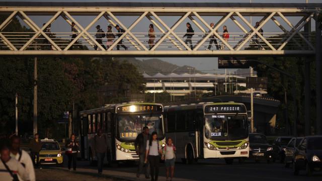Cariocas estão sem BRT e com menor oferta de barcas e ônibus