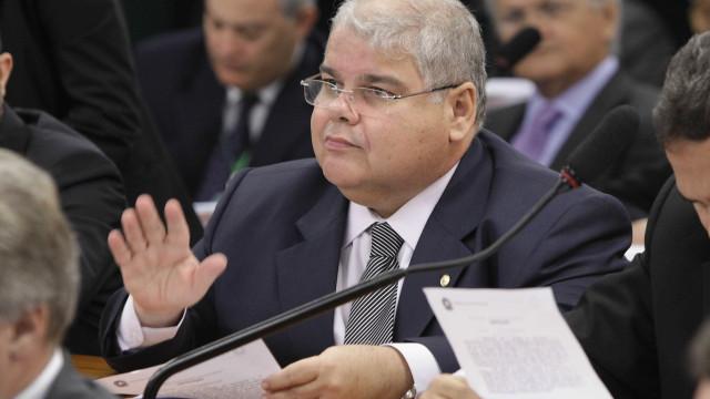 PF faz buscas no gabinete de Lúcio Vieira Lima, irmão de Geddel