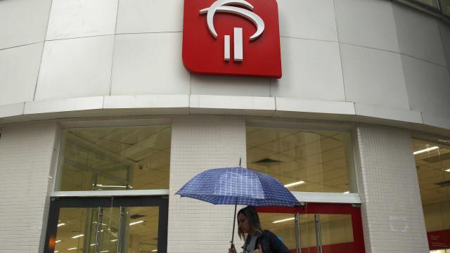 Bancos começam a procurar clientes para oferecer crédito