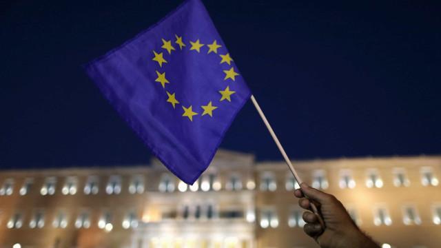 União Europeia nega apoio à independência catalã
