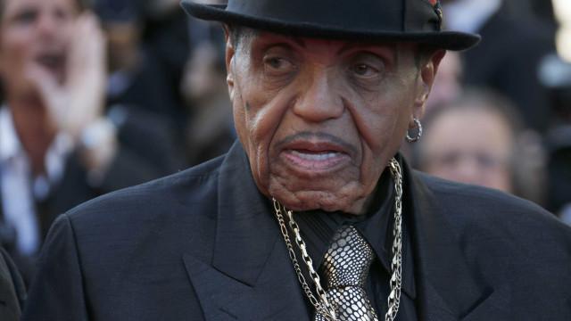 Morre Joe Jackson, pai de Michael Jackson, aos 89 anos