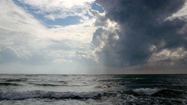 Jornal diz que submarino argentino desaparecido foi localizado