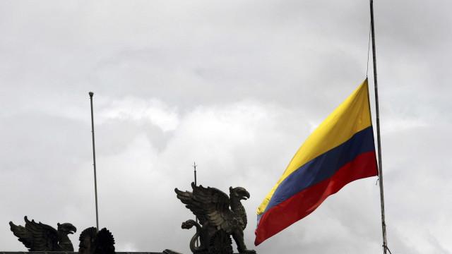 Colômbia: acidente com ônibus que caiu em abismo já deixa 14 mortos