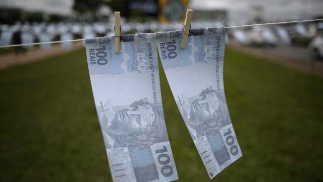 Governo bloqueia R$ 2 bi do Orçamento e separa R$ 1 bi para intervenção