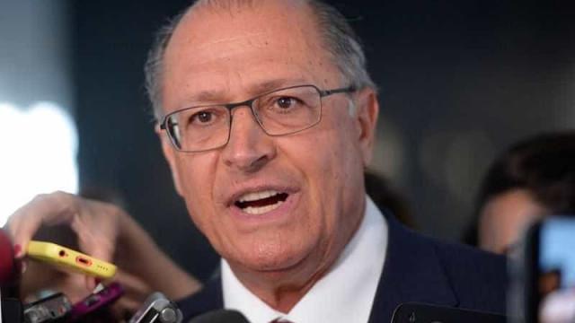 'Quem está de fuzil não está querendo conversar', diz Alckmin