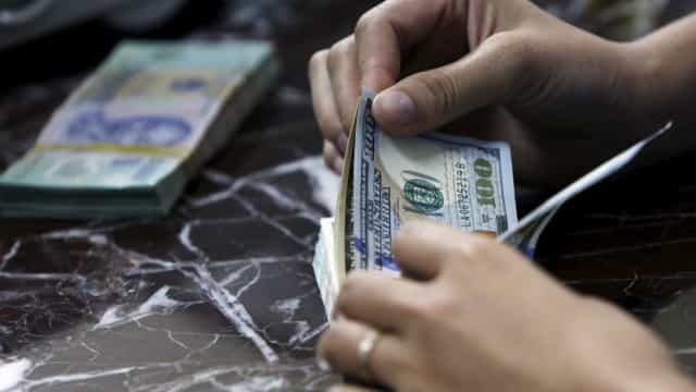 Dólar abre o dia em baixa de 0,59% cotado a R$ 3,7655