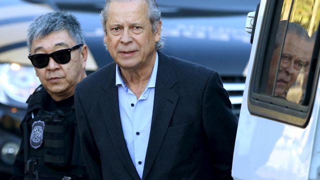 Imóveis de José Dirceu avaliados em R$ 11 milhões serão leiloados