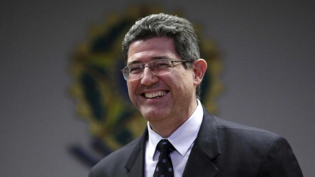 Equipe de Bolsonaro convida Joaquim Levy para assumir BNDES