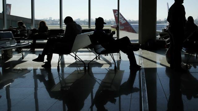 Forte neblina fecha aeroporto de Congonhas para pousos e decolagens