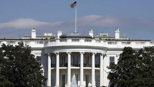 Congresso pede à Casa Branca dados sobre uso de email pessoal