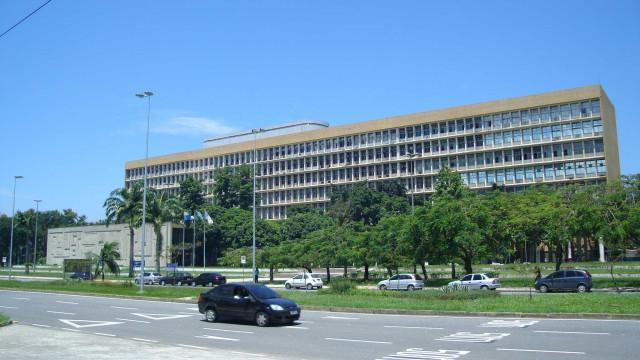 Universidades públicas do Rio suspendem aulas por causa da greve