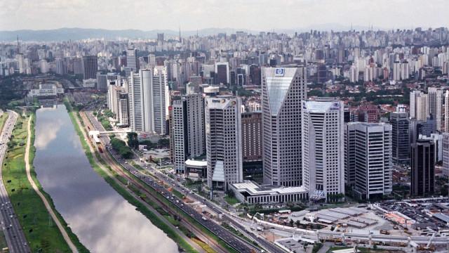 Marginal Pinheiros ficará interditada no feriadão inteiro, diz Covas