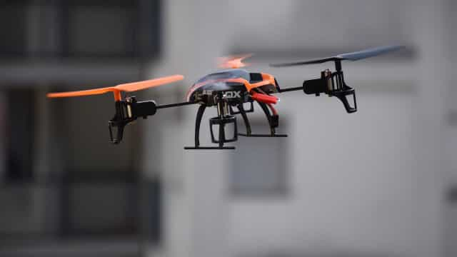 Drone da Amazon consegue 'espionar' casa de cliente na entrega