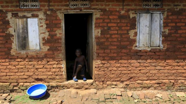 Pesquisa: 13 milhões de brasileiros vivem com até R$ 133 por mês