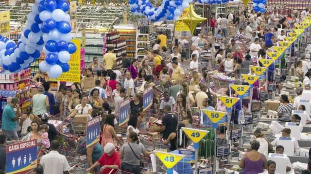 Aniversário Guanabara; 1 milhão vai à 'Black Friday' da comida