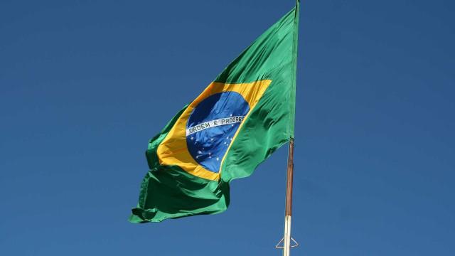 Rebaixamento do Brasil é responsabilidade coletiva, diz economista