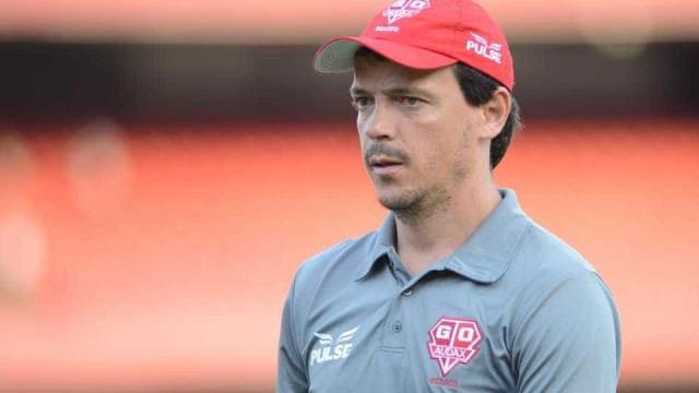 Após tentar Seedorf, Atlético-PR contrata técnico de clube da série B
