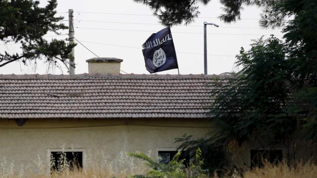 Retomada de combates em reduto do EI deixa 73 mortos na Síria