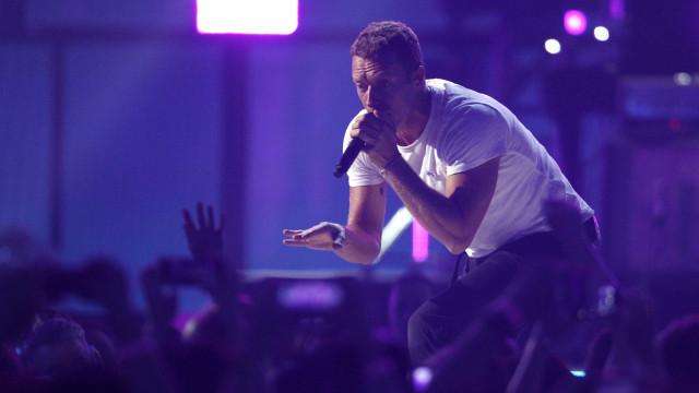 Polícia prende bando suspeito de fraudar ingressos para Coldplay