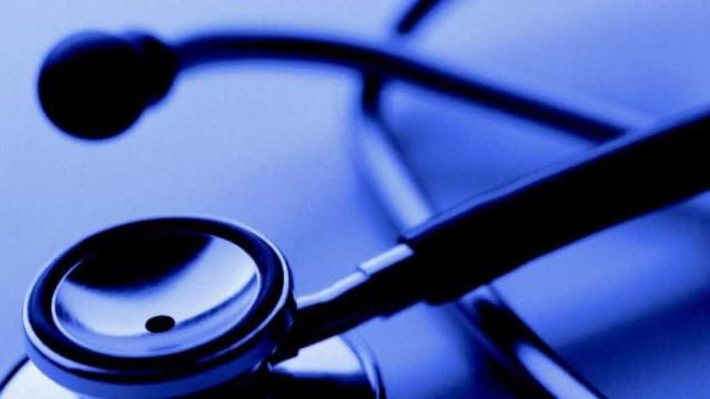 Associações criticam decisão que proíbe abertura de cursos de medicina