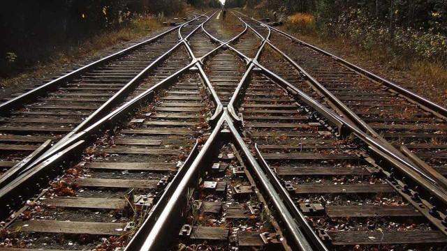 Governo diz que concessões de aeroportos e ferrovias não saem este ano