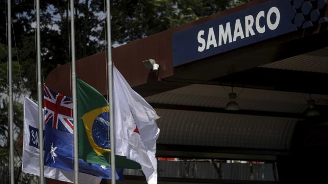 Justiça mantém bloqueio de R$ 300 mi da Samarco para vítimas