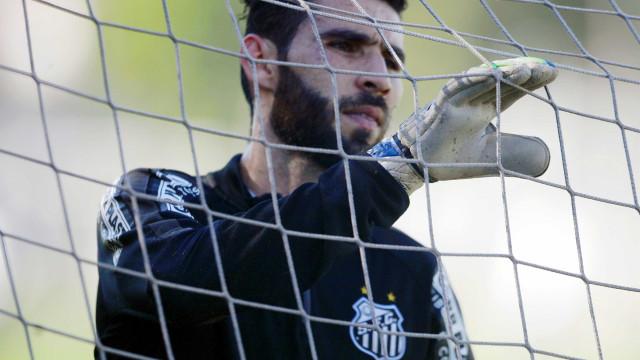 Vanderlei se antecipa e pede para Santos jogar na Vila contra o Galo