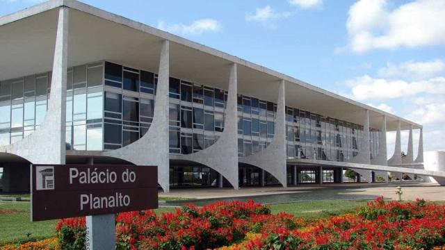 Planalto pede candidatos com 'equilíbrio emocional' em anúncio